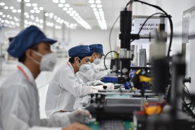 Vingroup động thổ nhà máy điện thoại thông minh công suất 125 triệu máy/năm - Ảnh 1.