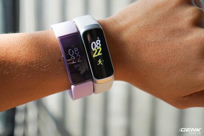 Galaxy Fit vs. Inspire HR: Lựa chọn smartband nào cho tầm giá 2,5 triệu đồng? - Ảnh 2.