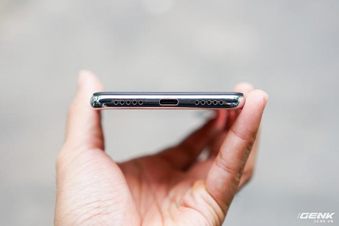 Trên tay Xiaomi Redmi Note 7 màu Trắng Ánh Trăng: viền mạ copy thiết kế iPhone, giá 4,99 triệu đồng - Ảnh 10.