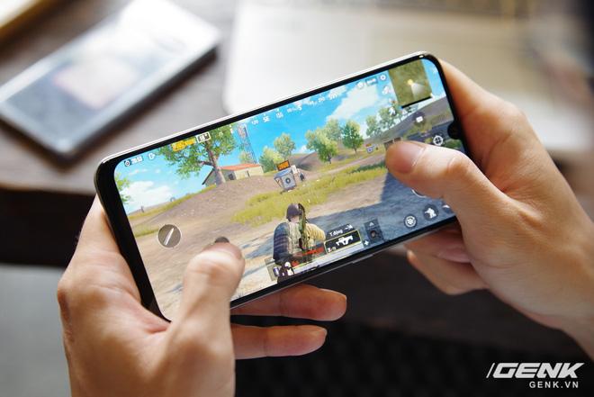 Trải nghiệm chơi game trên Galaxy A50s: máy mát hình mượt, chưa phải tốt nhất nhưng cũng đủ dùng - Ảnh 2.