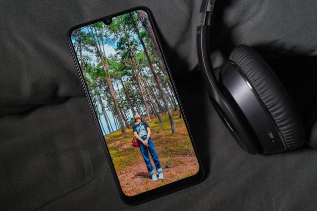 Chiếc smartphone này sinh ra để chinh phục giới trẻ - Ảnh 1.