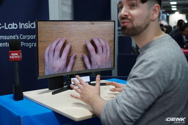 [CES 2020] Cận cảnh bàn phím vô hình Selfie Type của Samsung: Quảng cáo có khác với thực tế? - Ảnh 2.