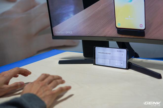 [CES 2020] Cận cảnh bàn phím vô hình Selfie Type của Samsung: Quảng cáo có khác với thực tế? - Ảnh 3.