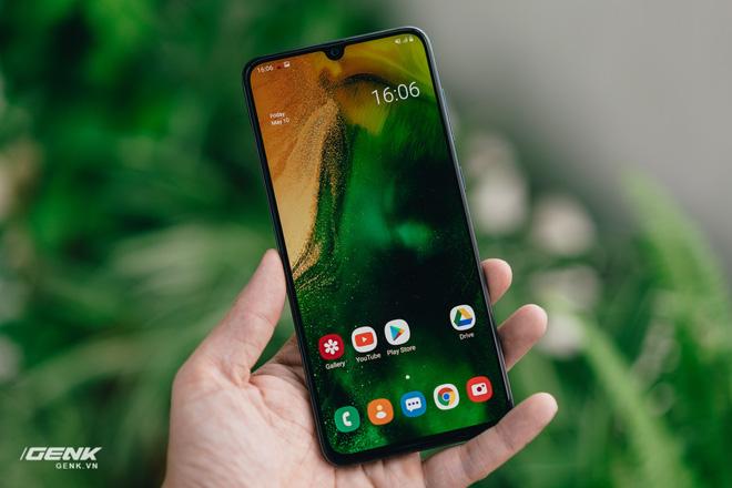 Galaxy A70 thành cục gạch sau khi cập nhật Android 10 - Ảnh 1.