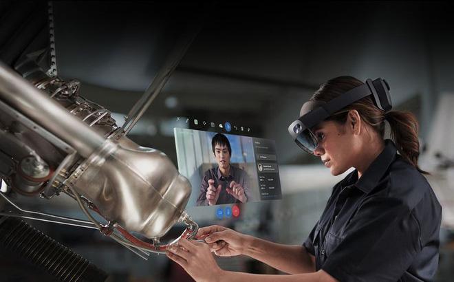 Cựu giám đốc Apple đầu quân cho dự án HoloLens của Microsoft - Ảnh 2.