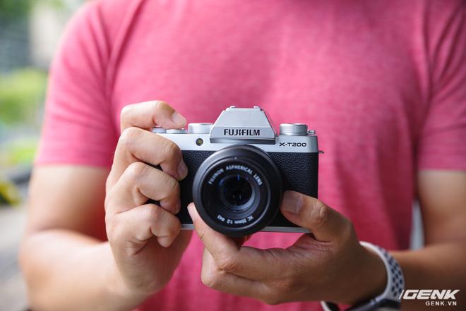 Trải nghiệm nhanh Fujifilm X-T200: Nhỏ gọn, tính năng vừa đủ, hướng đến người dùng quay video - Ảnh 1.