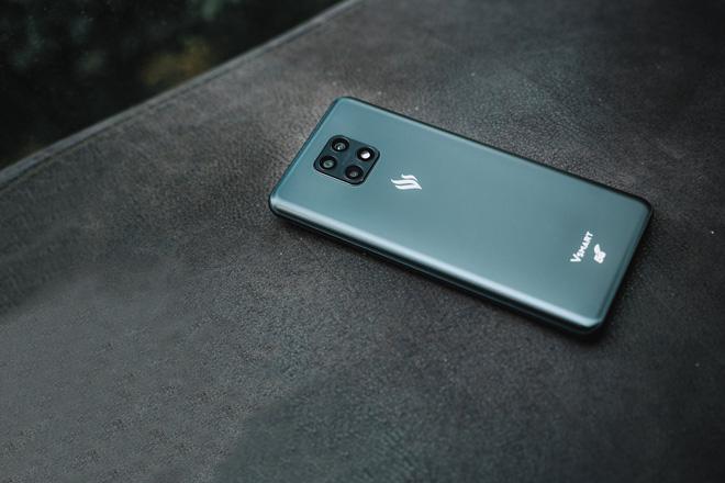 Vsmart Aris 5G chính thức lộ diện: Hỗ trợ 5G, chip Snapdragon 765 và RAM 8GB, tích hợp công nghệ điện toán lượng tử để bảo mật - Ảnh 1.