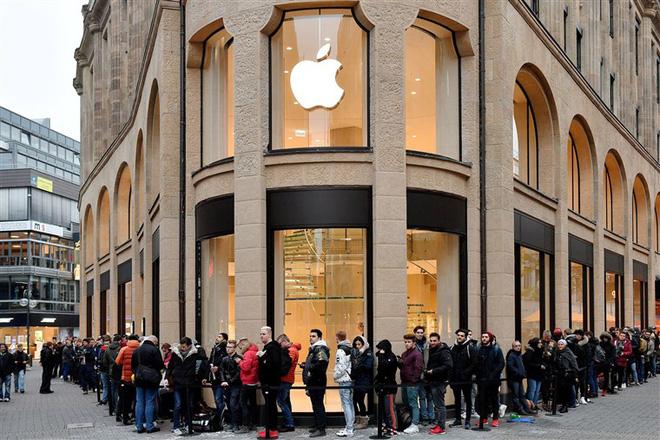 iPhone bị hoãn: Tin xấu cho fan, Tin quá tốt cho Apple và Phố Wall - Ảnh 2.