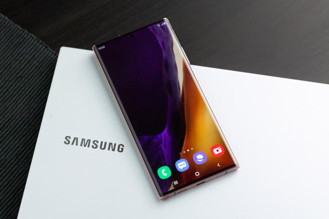 Samsung hứa sẽ cập nhật hệ điều hành Android mới trong 3 năm cho tất cả smartphone flagship - Ảnh 1.
