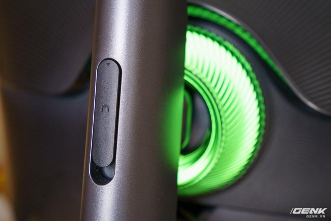 Trải nghiệm nhanh Samsung Odyssey G7: màn hình gaming 240Hz có điểm nhấn công nghệ QLED - Ảnh 7.