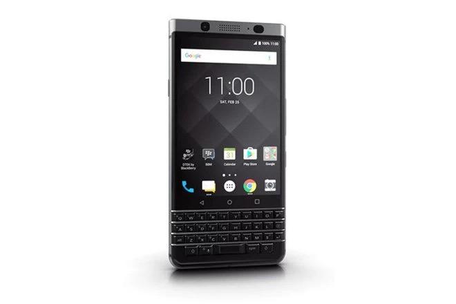 Cùng nhìn lại những chiếc điện thoại BlackBerry tốt nhất đã thay đổi cả thế giới - Ảnh 28.