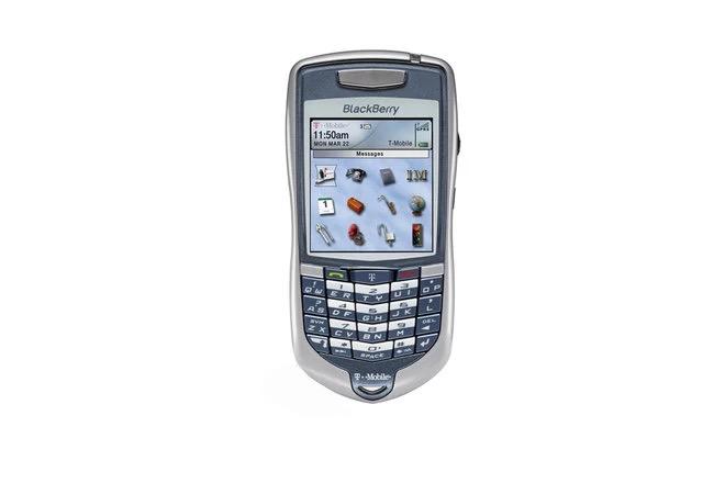Cùng nhìn lại những chiếc điện thoại BlackBerry tốt nhất đã thay đổi cả thế giới - Ảnh 6.