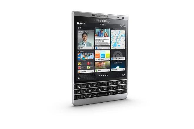 Cùng nhìn lại những chiếc điện thoại BlackBerry tốt nhất đã thay đổi cả thế giới - Ảnh 24.