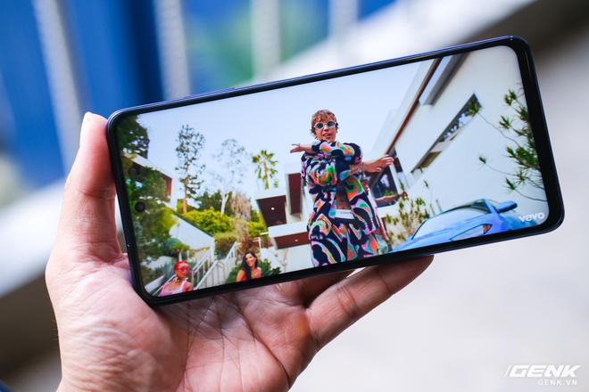 Cận cảnh POCO X3 NFC tại Việt Nam: Chạy Snapdragon 732G mới nhất, màn 120Hz, cụm camera hơi thô, bù lại có tính năng quay vlog rất đáng dùng - Ảnh 16.