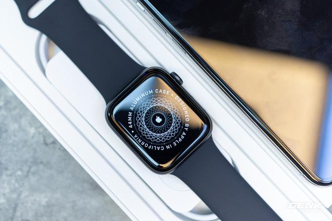 Trên tay Apple Watch SE: Apple Watch giá rẻ liệu có thực sự rẻ? - Ảnh 8.
