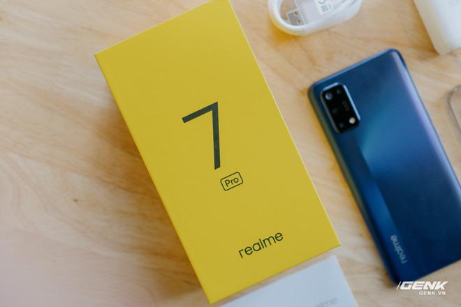 Mở hộp Realme 7 Pro: Smartphone có sạc nhanh nhất phân khúc tầm trung - Ảnh 15.
