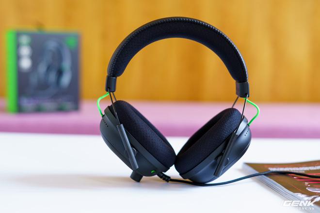 Mở hộp và trải nghiệm nhanh bộ đôi tai nghe Razer BlackShark V2 series: Có cả soundcard đi kèm, driver TriForce Titanium 50mm, dáng vẻ hơi đô con nên không tiện mang đi muôn nơi - Ảnh 3.
