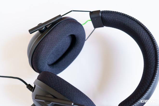 Mở hộp và trải nghiệm nhanh bộ đôi tai nghe Razer BlackShark V2 series: Có cả soundcard đi kèm, driver TriForce Titanium 50mm, dáng vẻ hơi đô con nên không tiện mang đi muôn nơi - Ảnh 7.