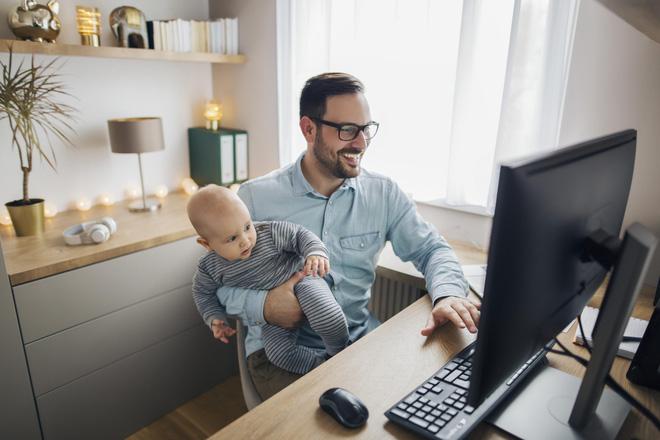 Microsoft cho 150.000 nhân viên làm việc tại nhà vĩnh viễn - Ảnh 1.