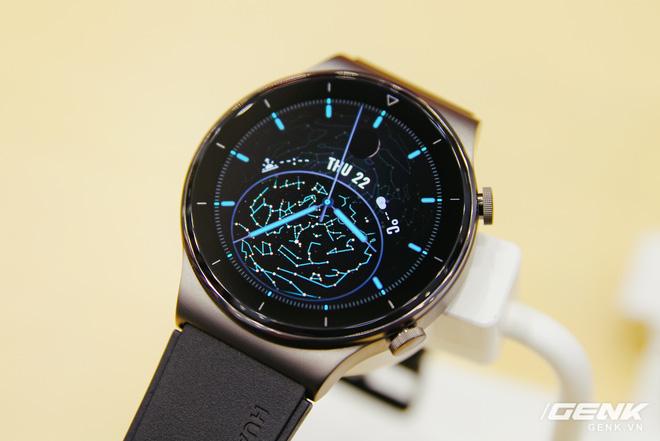 Trên tay Huawei Watch GT 2 Pro chính thức tại Việt Nam: đồng hồ thể thao cao cấp, pin đến 2 tuần giá 8.99 triệu đồng - Ảnh 1.