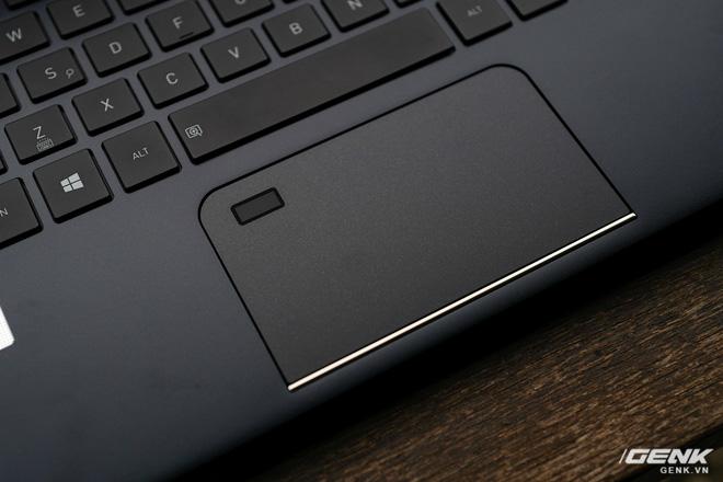 Trải nghiệm nhanh laptop thương hiệu lạ Dynabook Portege X30L: Mỏng, nhẹ hơn cả LG Gram, nhưng còn gì nữa? - Ảnh 8.