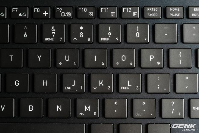 Trải nghiệm nhanh laptop thương hiệu lạ Dynabook Portege X30L: Mỏng, nhẹ hơn cả LG Gram, nhưng còn gì nữa? - Ảnh 9.