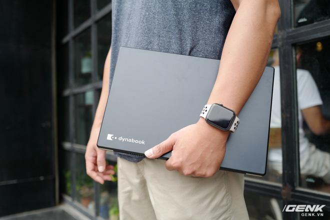 Trải nghiệm nhanh laptop thương hiệu lạ Dynabook Portege X30L: Mỏng, nhẹ hơn cả LG Gram, nhưng còn gì nữa? - Ảnh 3.