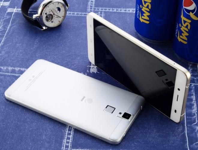 Nhìn lại những chiếc smartphone đến từ các thương hiệu không ngờ đến - Ảnh 2.