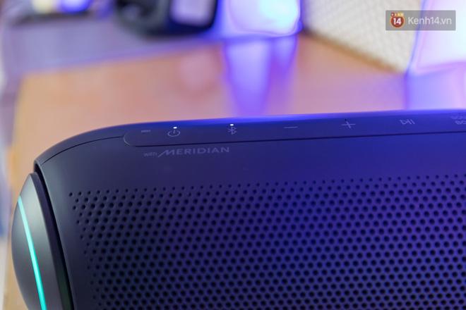 Đánh giá nhanh loa LG XBOOM Go: Thiết kế trẻ trung, nhiều tính năng thông minh, phù hợp cho fan Rap Việt - Ảnh 4.
