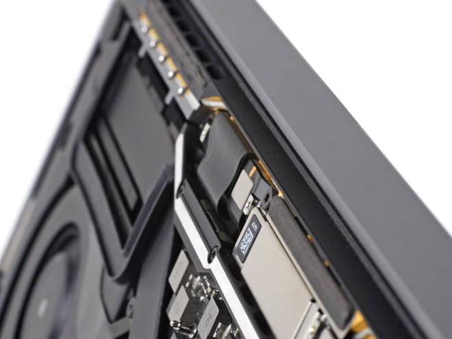 """Thẩm phán cho rằng Apple cố tình bán các mẫu MacBook Pro 2016 và 2017 có vấn đề về màn hình """"flexgate"""" ra thị trường dù biết rất rõ về lỗi. - Ảnh 3."""