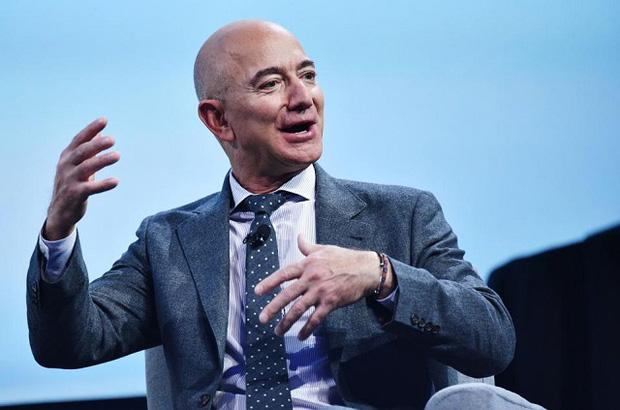 Người giàu nhất hành tinh Jeff Bezos điều hành Amazon như thế nào? - Ảnh 1.