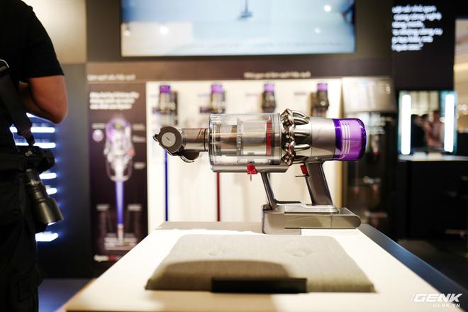 Dyson chính thức đưa sản phẩm về Việt Nam, người dùng có thể đến trải nghiệm trực tiếp tại Demo Zone ở Crescent Mall - Ảnh 3.