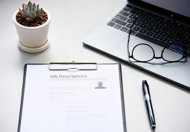 Quy tắc 60% khi tìm việc giúp bạn tự tin ứng tuyển Job-description-paper-office_34933-263