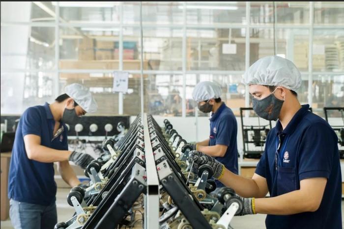 """Kết quả hình ảnh cho Sản xuất công nghiệp: Chỉ gia công làm sao thành """"nghiệp""""!"""