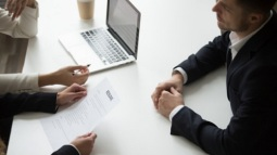 Học cách thoả thuận lương từ chuyên gia đàm phán con tin