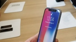 Dòng iPhone có thời lượng pin lâu nhất không phải iPhone X