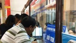 Người dân chờ mua vé Hà Nội - Lào Cai dịp Tết Mậu Tuất 2018 qua tổng đài 1900.0109