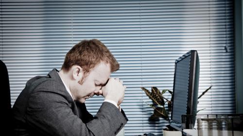 Tự ti, phân vân, lo lắng, nghi ngờ bản thân,… những cảm xúc tiêu cực mà sinh viên IT/ lập trình viên nào cũng sẽ gặp phải