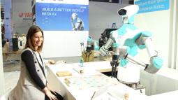 [CES 2018] Robot này có khả năng chơi xếp chữ cực giỏi, chiến thắng cả con người