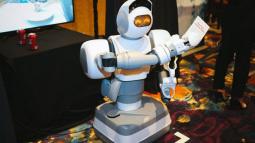 Điểm danh những mẫu robot ấn tượng nhất tại triển lãm CES 2018