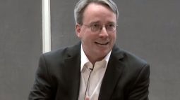 """Spectre và Meldown: Nhà sáng lập của Linux lên tiếng chỉ trích những bản vá """"rác"""" của Intel"""
