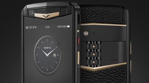 Vertu trình làng smartphone cao cấp Aster P, khung titan, màn hình sapphire, mặt lưng bằng da,