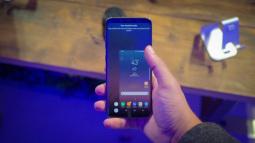 Samsung không cài đặt trước ứng dụng Facebook trên điện thoại của bạn