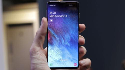 Samsung Galaxy S10 tự động bật sáng màn hình khi để trong túi gây hao pin