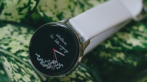 Đánh giá đồng hồ Samsung Galaxy Watch Active: thiết kế tối giản là điểm cộng, hợp với người yêu thể thao
