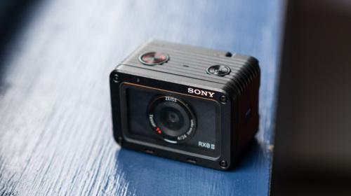 Trên tay máy ảnh Sony RX0 mark II: Siêu nhỏ, quay phim 4K, màn hình lật