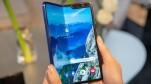 Samsung lùi ngày phát hành Galaxy Fold còn đỡ hơn Apple, im ỉm về vụ bàn phím cánh bướm của MacBook