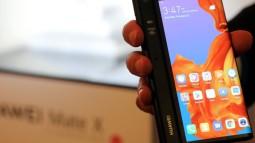 Huawei nói chính vì Galaxy Fold gặp lỗi nên hãng này mới thận trọng chưa dám tung ra Mate X sớm