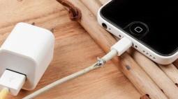 """Hóa ra đây là lý do vì sao dây sạc của Apple rất dễ bị đứt, không phải vì họ muốn """"móc túi"""" bạn đâu"""