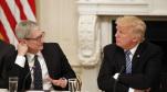 Sau bữa tối với ông Tim Cook, ông Trump thừa nhận mức thuế 10% là không công bằng với Apple